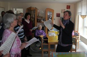 Kirchenchor besucht AWO Seniorenheim