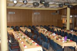 Der Pfarrsaal bietet bis zu 160 Personen Platz.