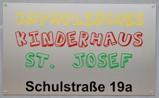 Schild Kinderhaus St. Josef