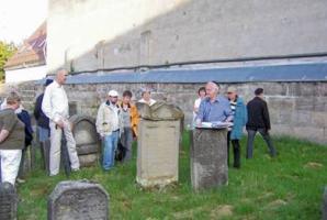 Besuch des jüdischen Friedhofs in Baiersdorf