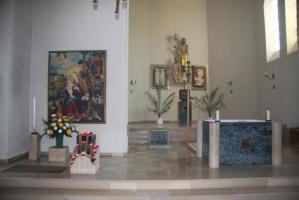 Altarraum und Marienbild