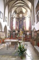 Altarraum mit Altar (1994) und Altaraufbau des früheren Hochaltars (1741)