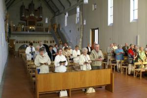 Mitfeiernde Lehrersenioren   in der Klosterkirche Helfta