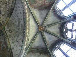 Gewölbekappen mit Christushaupt und Dreifaltigkeitsnimbus
