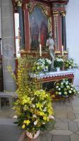 Osterkerze und Auferstandener in St. Michael Neunkirchen