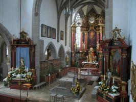 St. Michael Neunkirchen im österlichen Hochzeitsschmuck
