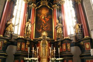 Links: Stephanus Diakon in Jerusalem - rechts: Laurentius Diakon in Rom