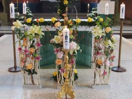 Die Kerzen stehen f�r die Jubil�en: 75 Jahre, 70 Jahre, 60 Jahre, 50 Jahre, 25 Jahre.