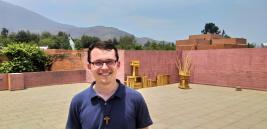 Johannes Korn ziegt mir das Priesterseminar der Schönstattpatres in Santiago de Chile