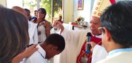 Morgenmesse in der kath. Universität und Taufen, Firmungen und Erstkommunionen