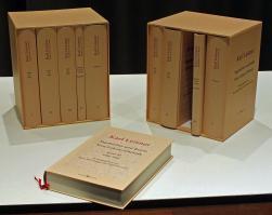 Karl Leisner. Tagebücher und Briefe. Eine Lebenschronik, herausgegeben von Hans-Karl Seeger und Gabriele Latzel. Verlag Butzon und Bercker, ISBN 978-3-7666-1881-8